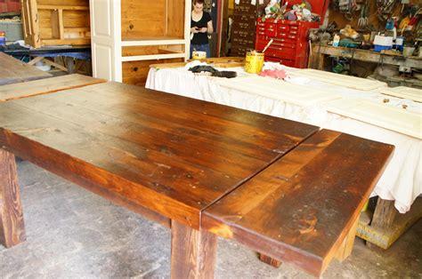 modele de table de cuisine en bois table de cuisine dessus en vieux bois n 1002 le géant