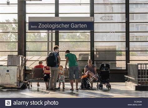 Bahnhof Zoologischer Garten Parken by Zoo Rail Stockfotos Zoo Rail Bilder Alamy