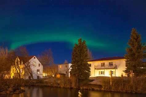 best time to see northern lights the best time to see the northern lights in iceland the