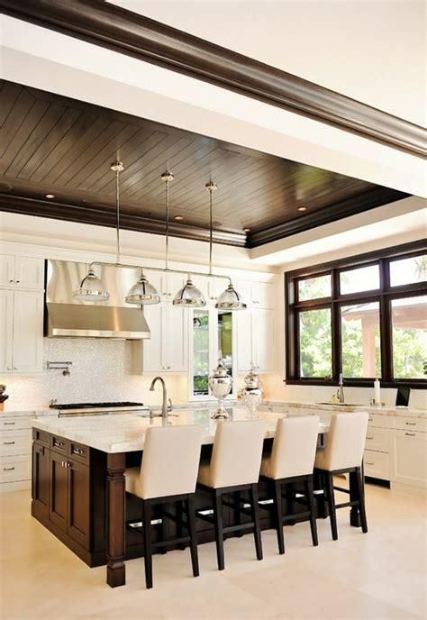 faux plafond cuisine ouverte maison stylée contemporaine à l 39 aide de plafond moderne