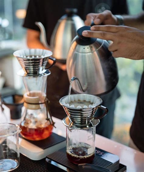 We did a deep dive into our feeds to find a selection of cool coffee shops and cafes around the country that are generating positive buzz through both their caffeinated cups and their instagram accounts—no gimmicks needed. Weekend favourite the Kalita Wave! Poured by the Brewista Variable Kettle! Shop Kalita ...