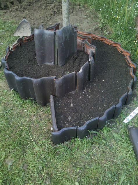 Garten Gestalten Mit Dachziegeln by Schritt 1 Das Loch War Ja Schon Gegraben Wegen Der