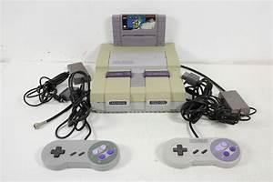 Super Nintendo Entertainment System SNS 001 Game Console
