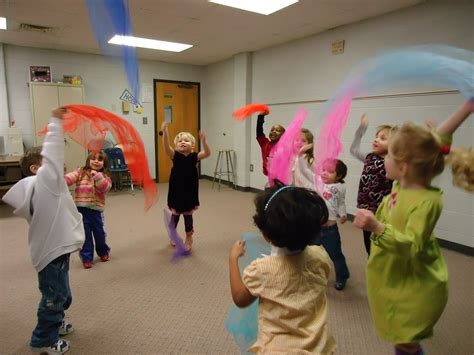 music and movement ideas for preschoolers and movement for toddlers ideas and movement 528