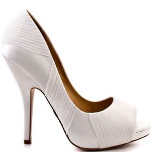 wedding shoes badgley mischka wayde white satin badgley mischka