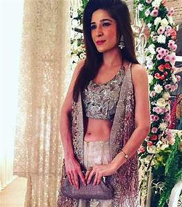 Latest Pictures Of Ayesha Omer At Her Friend's Wedding