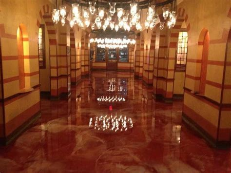 Elegant Metallic Epoxy Basement Floor : Ideas Paint