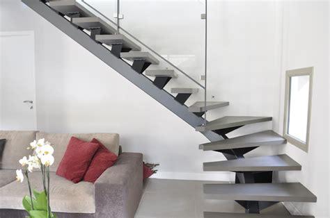 escalier limon central metal bois