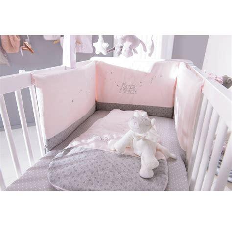 chambre bébé noukies tour de lit veloudoux poudre d 39 étoiles de noukie 39 s