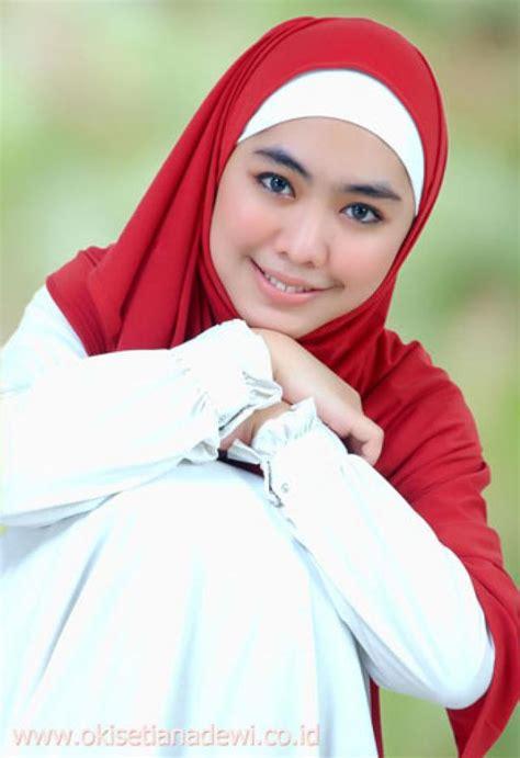 Foto Bugil Artis Oki Setiana Dewi Kumpulan Foto Foto Bugil