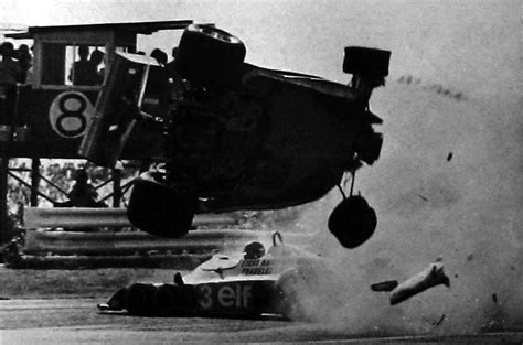 gilles villeneuve  ronnie peterson accident fuji