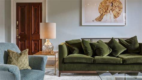 sofa verden sof 225 verde ousadia e modernidade no d 233 cor westwing