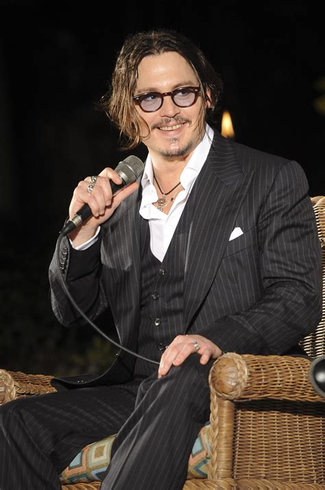 Photos of Johnny Depp Picking Up A Lifetime Achievement ...
