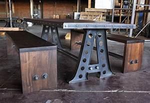 Table de cuisine au look industriel recuperee d39une for Table de cuisine ancienne
