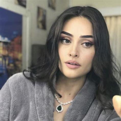 Esra bilgiç, 14 ekim 1992 yılında doğdu. Esra Bilgic Photos, Biography, Wedding - entertainment news   celebrity news   celebrity gossip ...