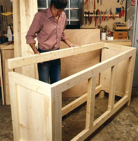 fabriquer une cuisine en bois fabriquer une etagere en bois rangement maison design