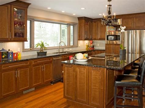 kitchens with cherry cabinets cherry kitchen cabinets pictures options tips ideas