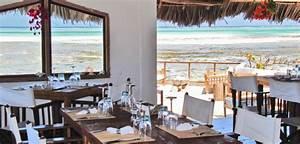 The rock restaurant zanzibar eten in de oceaan for Restaurant original the rock zanzibar