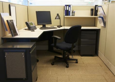 Office Desk Must Haves by Must Haves In Office Cubicle Decor