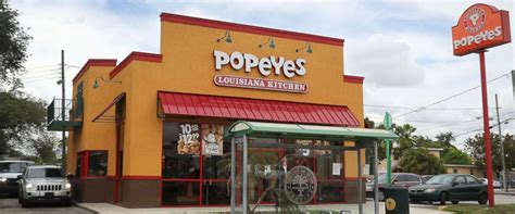 restaurant owner proudly defends serving popeyes chicken