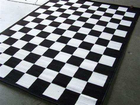 checkered black  white area rug    nwt home