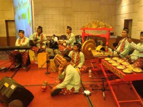 Recorder adalah alat musik yang biasanya mulai diperkenalkan pada siswa di tingkat sekolah dasar. Nonstop 25 Song's Gambang Kromong Jakarta Indonesia - YouTube