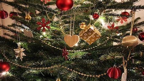 seit wann wird weihnachten gefeiert seit wann gibt es den weihnachtsbaum informationen zur entstehung chip
