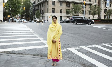 standing  malala meet  teenagers  survived