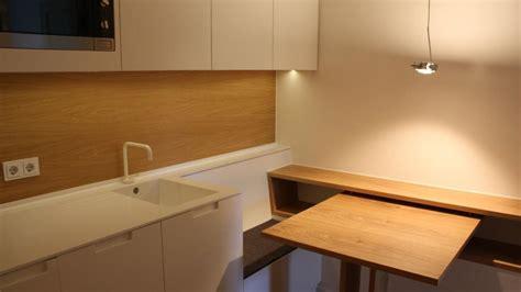 Kleine Küche Mit Sitzbank Und Tisch Schleiflack Weiß Eiche