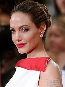 Angelina reveals double mastectomy