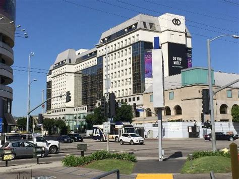 hotel building picture of sofitel los angeles at beverly