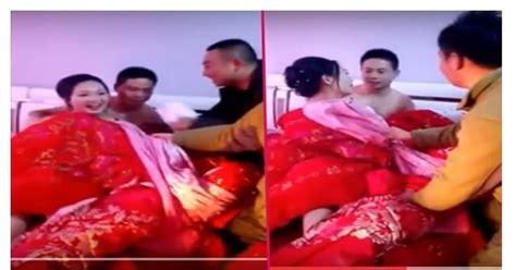 pengantin wanita dipaksa buka baju oleh pria lain
