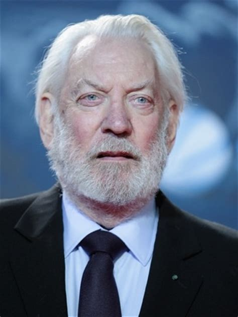 donald sutherland president snow hunger games donald sutherland cast as president snow