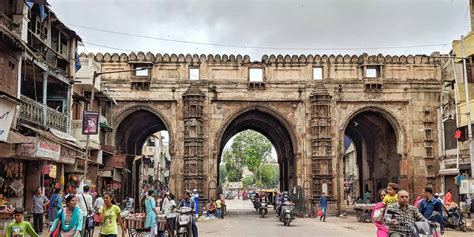 Teen Darwaza Ahmedabad (Entry Fee, Timings, History, Built ...