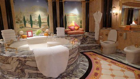 Bathroom Showers Dubai the layover dizzy in dubai stuck at the airport