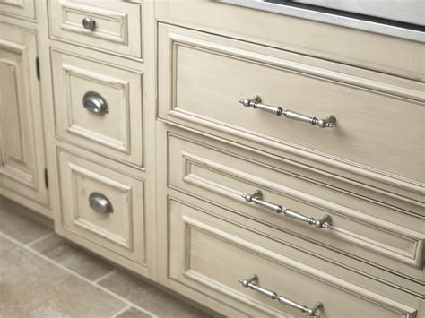 Top Knobs M210 Cabinet Pull Buildcom