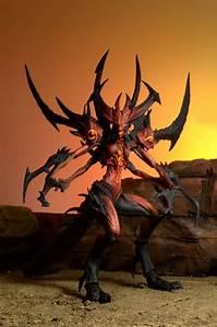 Closer Look Diablo III Deluxe Action Figure Diablo