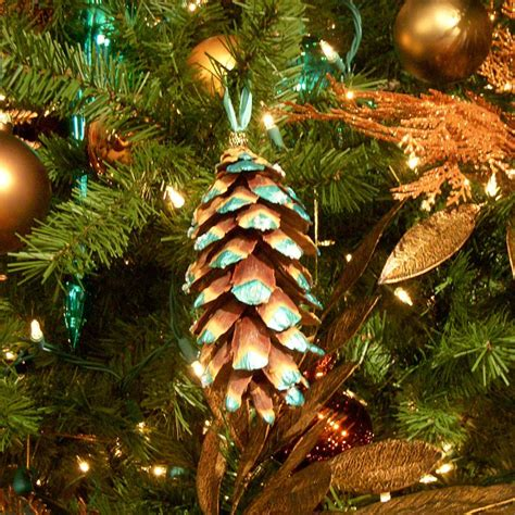 pine cone ornament   christmas tree hgtv
