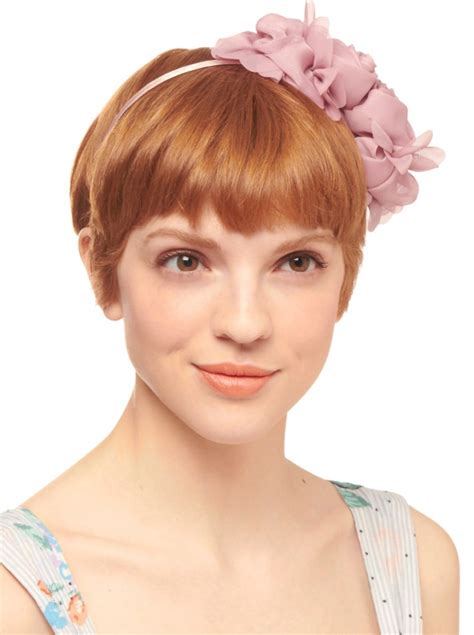 head turning hair accessory trends