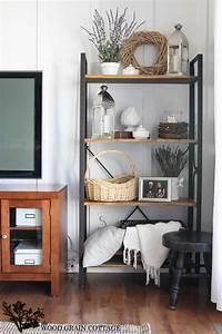 Summer Living Room Shelving - The Wood Grain Cottage