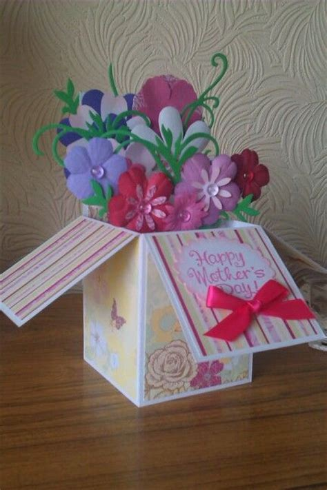 cricut box templates 1000 images about cricut pop up cards op cadeaubon houders babykaarten en inleidingen