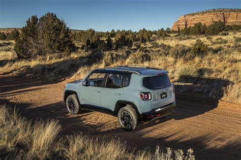 new jeep renegade 2015 jeep renegade trailhawk photo gallery autoblog