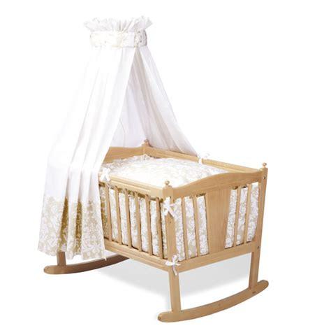chambre bébé pinolino parure pour berceau quot antoinette quot coloris beige et
