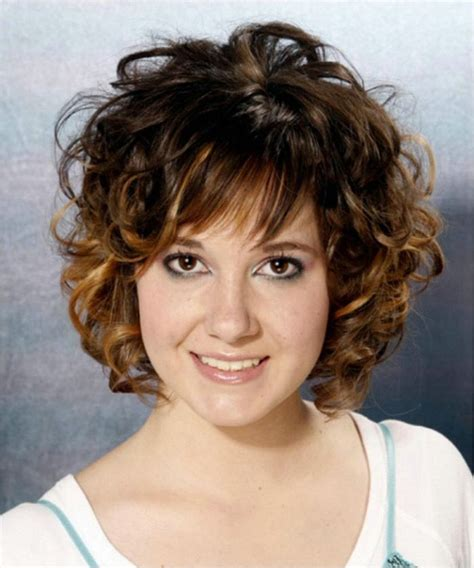 Short Layered Wavy Hairstyles with Bangs Best Short