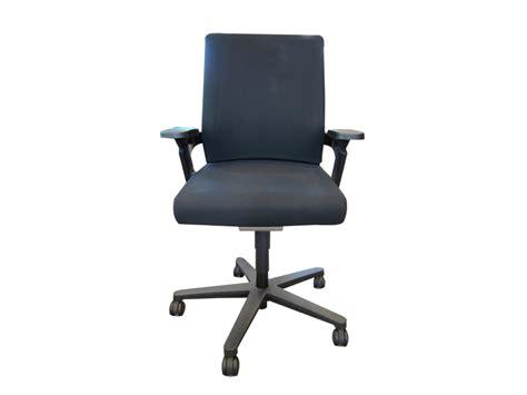 fauteuil de bureau design wilkhahn 174 7 on adopte un bureau