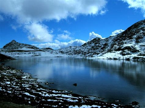 close   sela pass   tawang district  arunachal