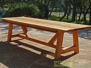 diy une table de jardin en bois par initialesgg With plan pour fabriquer une table de jardin en bois