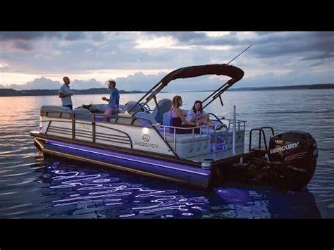 Regency Boats by Regency Boats 2017 220 Le3 Sport Luxury Pontoon Boat