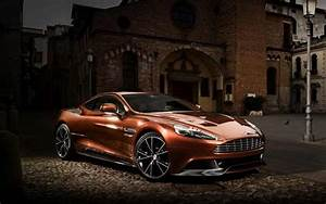 Aston Martin Vanquish: North American premiere in Pebble Beach