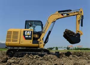 cat mini excavator caterpillar introduces 305 5e mini hydraulic excavator